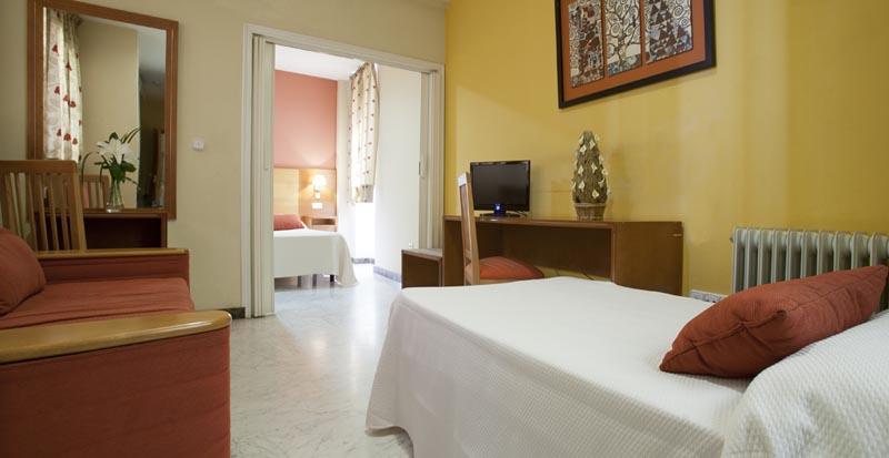 Apartamentos Turísticos Los Girasoles II - Triple Room