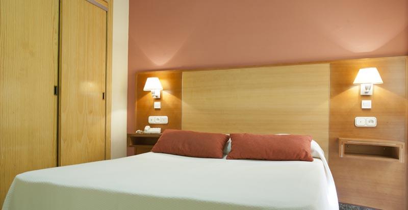 Apartamentos Turísticos Los Girasoles II - Double Room