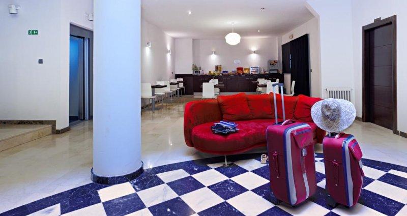 Apartamentos Turísticos Los Girasoles II - Reception